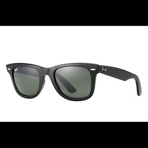 Original Wayfarer ray ban sunglasses😍
